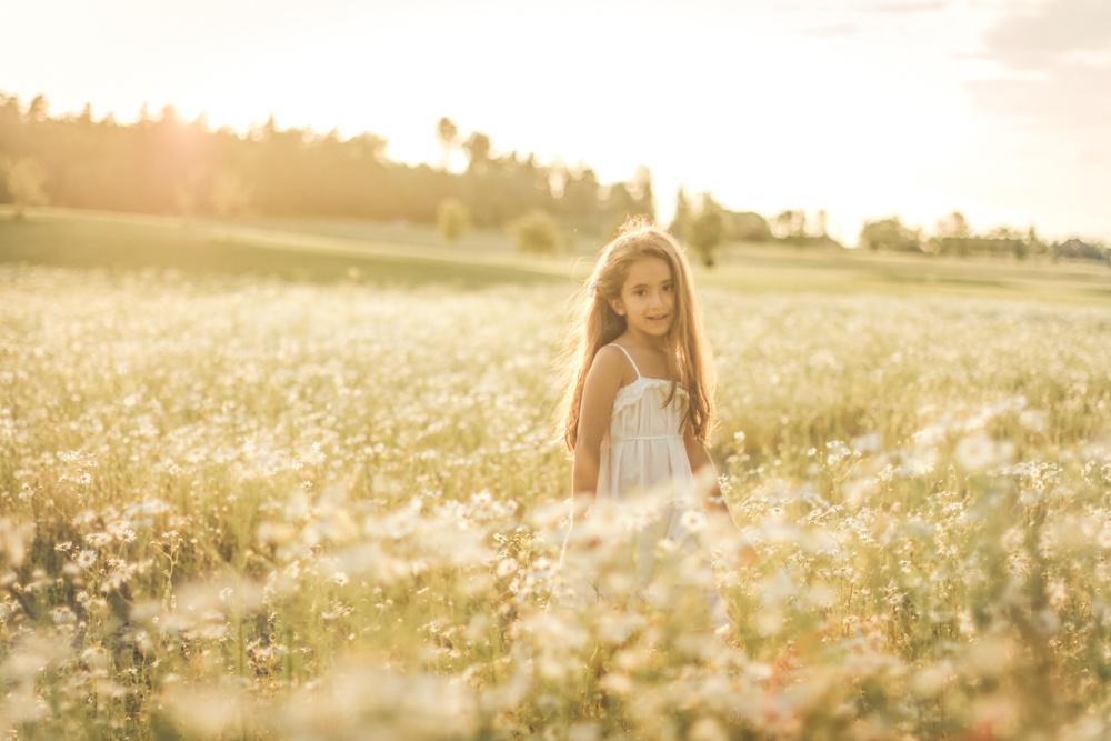 familjefoto-barnfoto-syskonfoto-familyshoot-summer-vasteras-izlaphotography-16