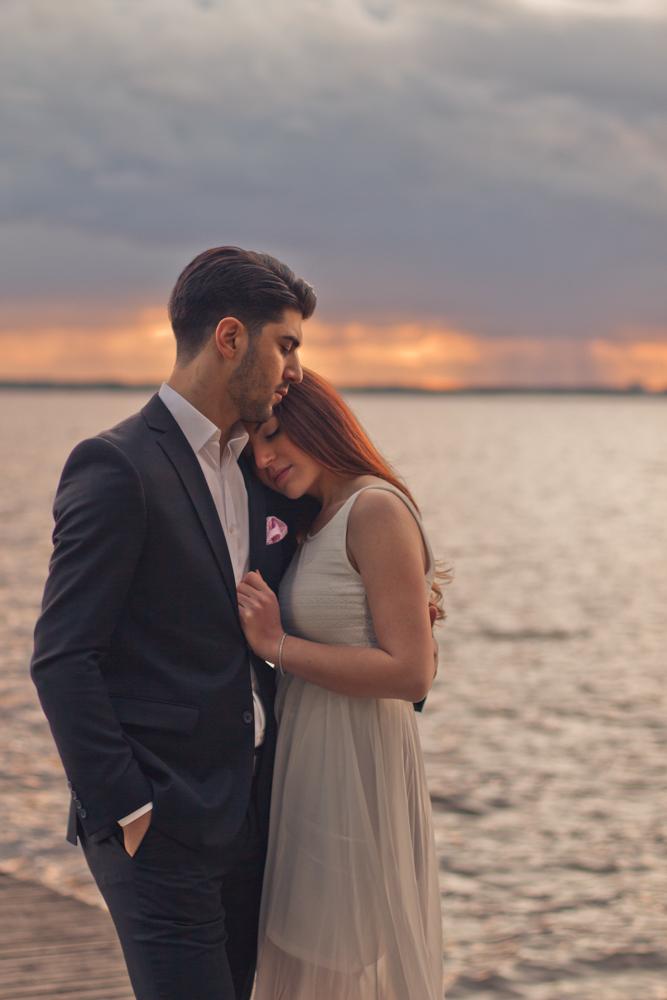 rc-forlovning-bilder-forlovningsbilder-vasteras-sommar-parbilder-44