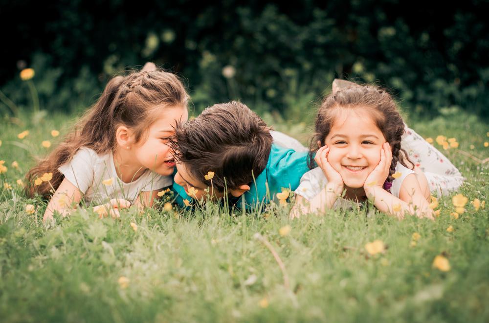 barnfoto-familjefoto-syskonfoto-stockholm-izlaphotography-5