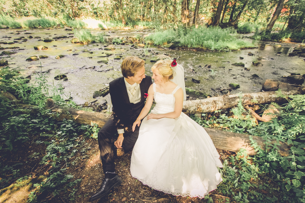 hj-brollopsbilder-brollop-wedding-orebro-hastar-13