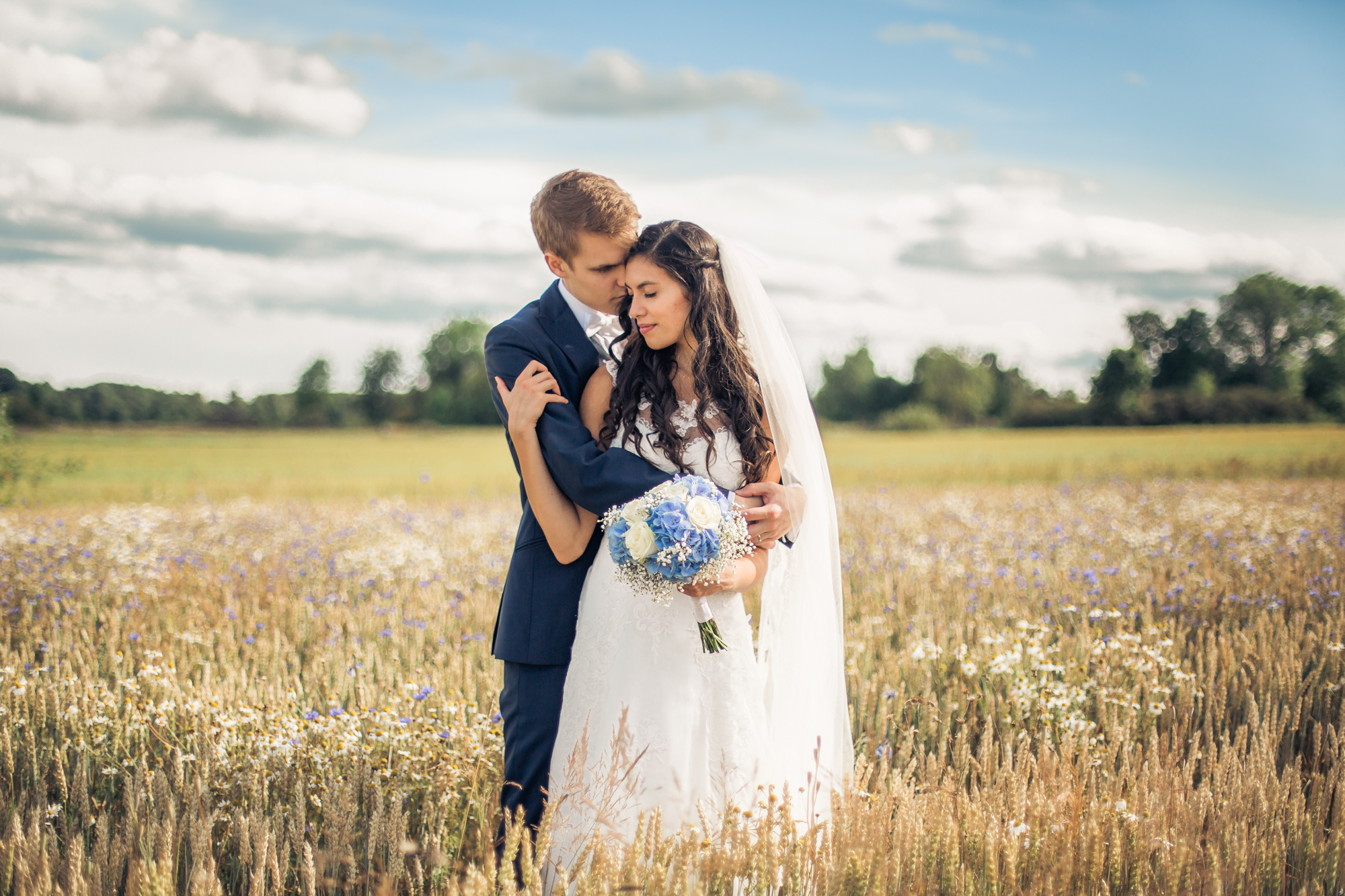 SNEAK PEEK: J♥J SUMMER WEDDING