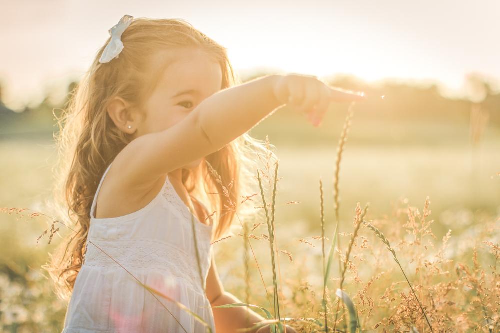 familjefoto-barnfoto-syskonfoto-familyshoot-summer-vasteras-izlaphotography-21