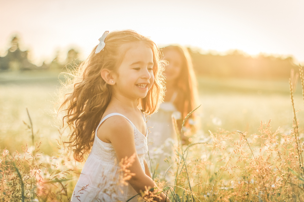 familjefoto-barnfoto-syskonfoto-familyshoot-summer-vasteras-izlaphotography-26
