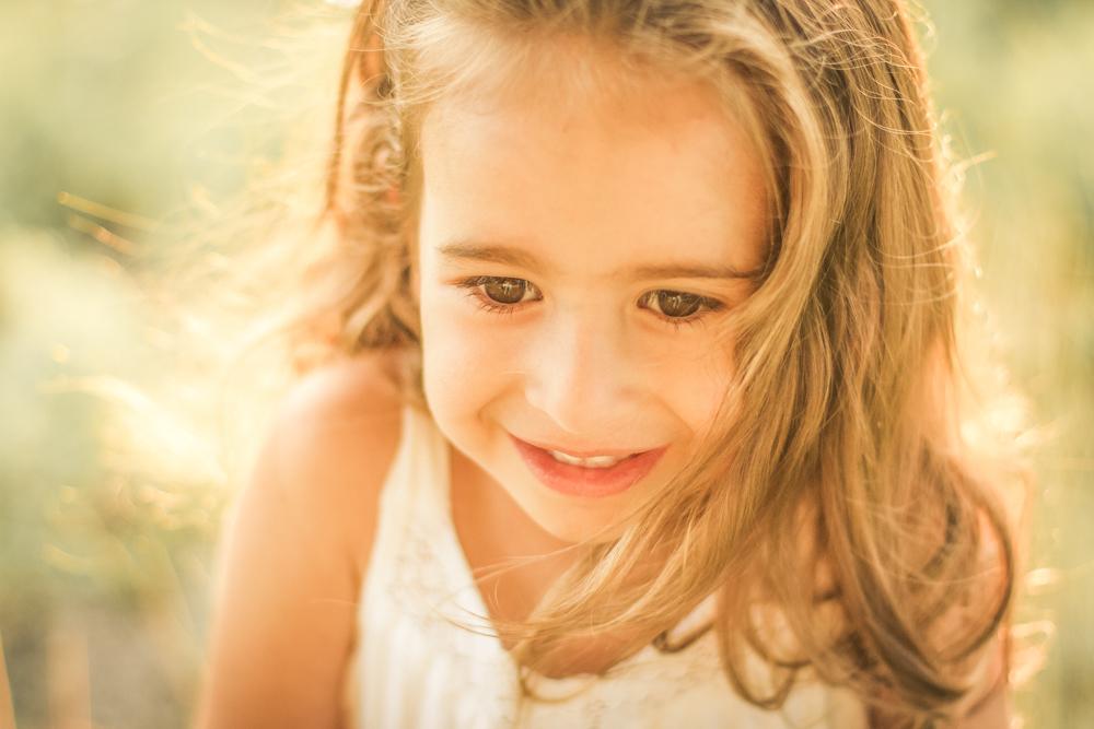 familjefoto-barnfoto-syskonfoto-familyshoot-summer-vasteras-izlaphotography-34