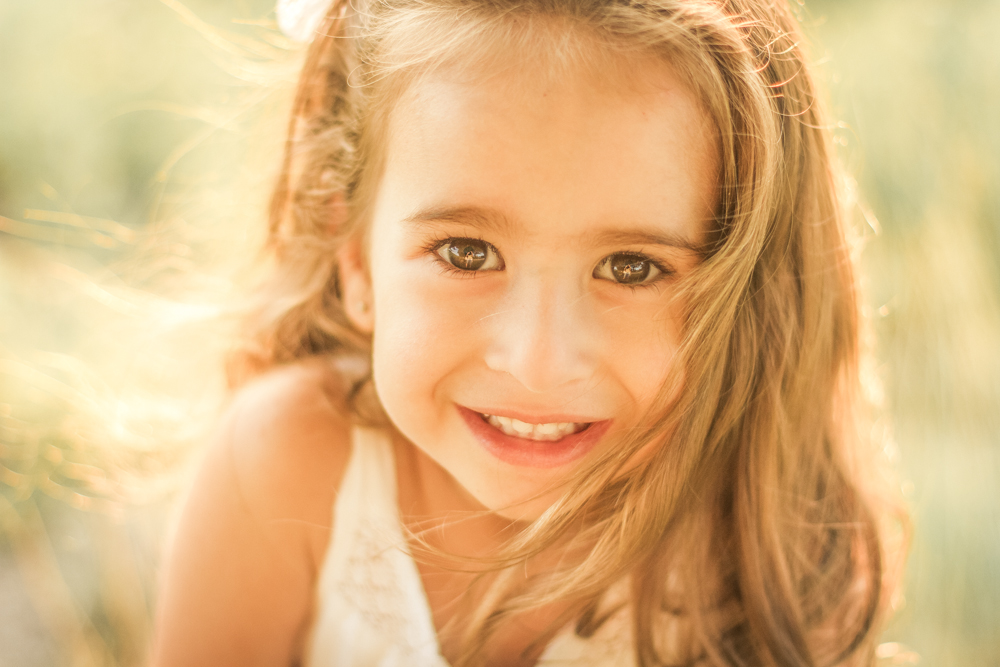 familjefoto-barnfoto-syskonfoto-familyshoot-summer-vasteras-izlaphotography-35