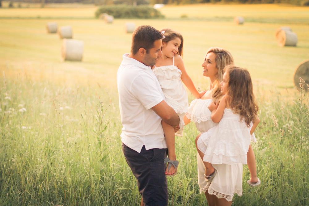familjefoto-barnfoto-syskonfoto-familyshoot-summer-vasteras-izlaphotography-49