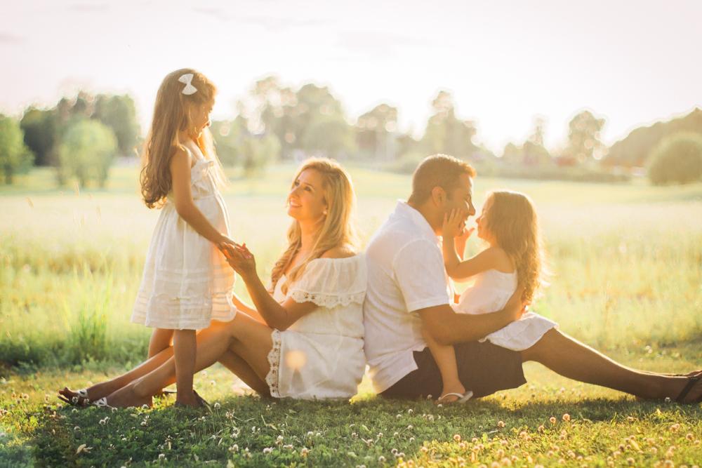 familjefoto-barnfoto-syskonfoto-familyshoot-summer-vasteras-izlaphotography-8