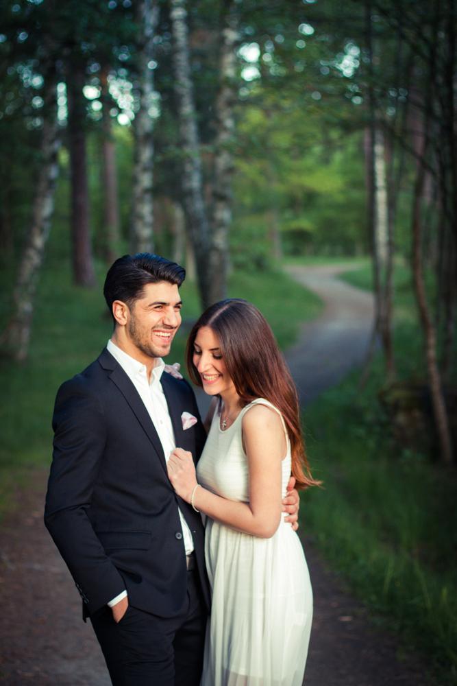 rc-forlovning-bilder-forlovningsbilder-vasteras-sommar-parbilder-33
