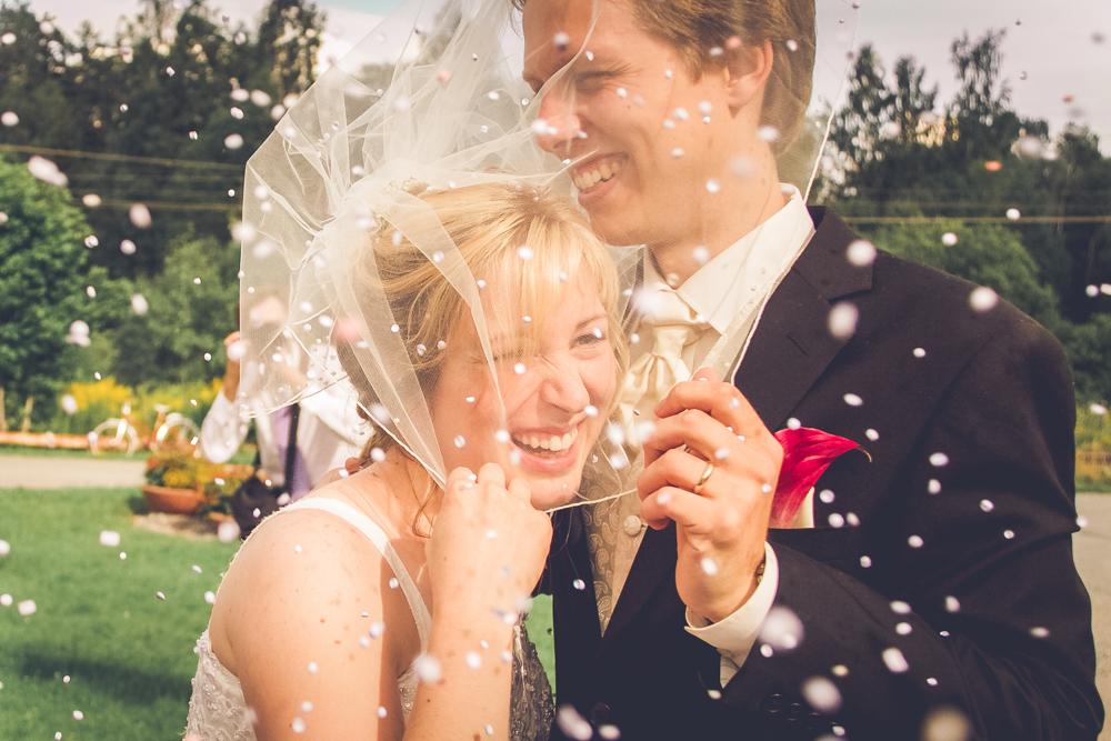 hj-brollopsbilder-brollop-wedding-orebro-hastar-31
